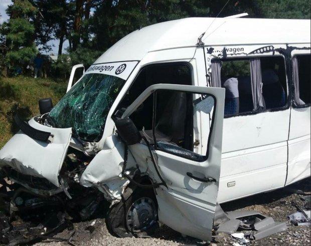 Под Житомиром в ДТП пострадало 24 человека