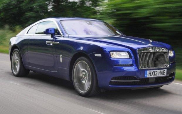 Зависть - грех: киевские священники ездят на Rolls-Royce