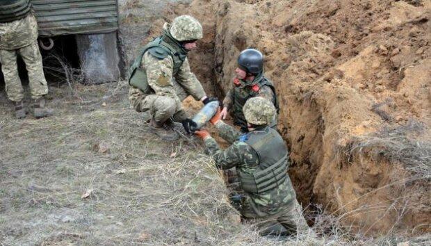 Українські захисники на Донбасі виявили дещо страшніше сучасних мін: вражаючі фото