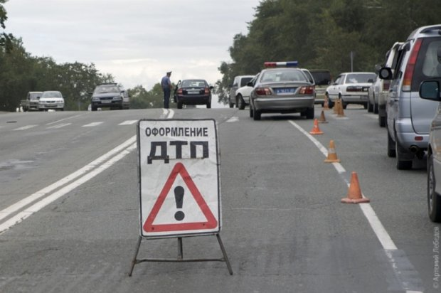 У Запорізькій області внаслідок ДТП постраждали 11 осіб