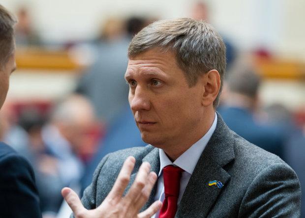 """Шахов пояснив, кому вигідно прибрати Зеленського через """"Слугу народу"""""""