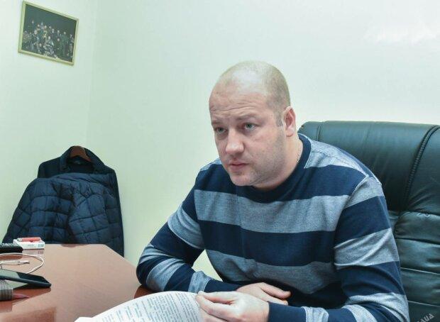 СМИ: Как начальник отдела Департамента стратегических расследований Нацполиции Дмитрий Мартыненок скупает дорогую недвижимость
