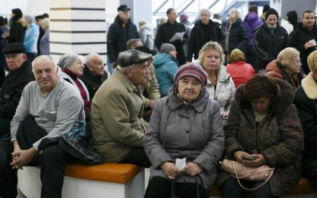 Запасайтеся свічками: світло стане не по кишені українцям