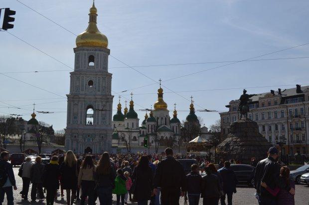 Трагедия в Софийском соборе потрясла Киев, врачи борются за жизнь несчастного