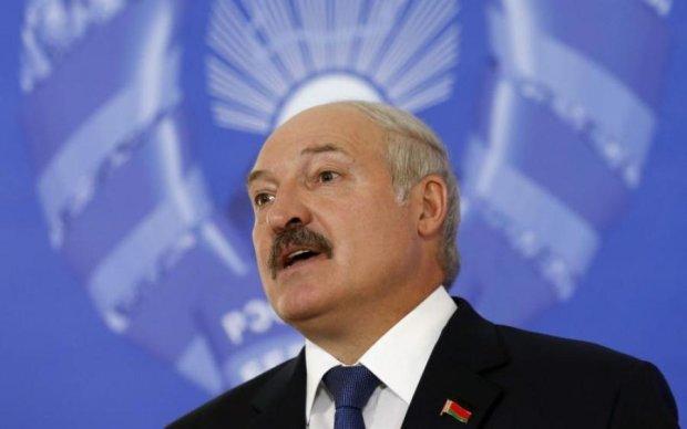 """Лукашенка понесло про """"братів"""" і Донбас"""