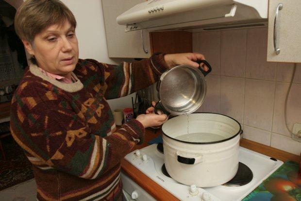 Не ховайте каструлі: киянам хотіли дати гарячу воду, але передумали