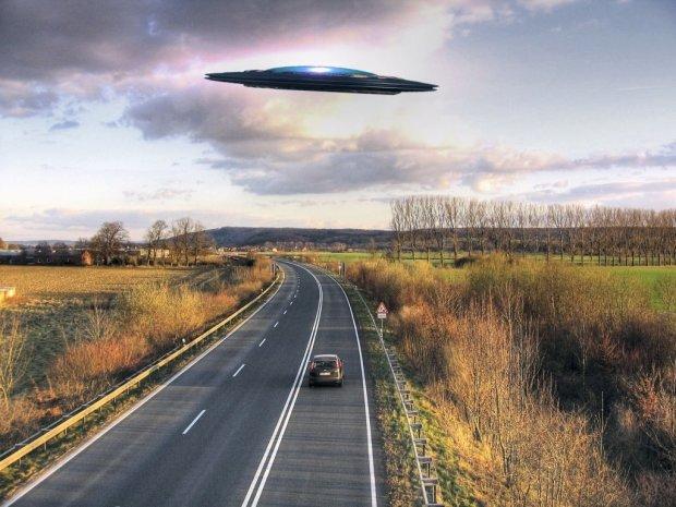 Інопланетна куля влаштувала стрімку погоню за автомобілем: за голову схопилися навіть уфологи