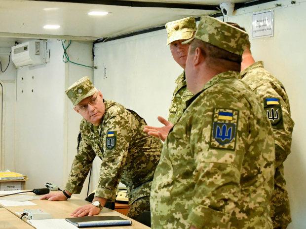 Глава Генштабу назвав болючі місця української армії: зарплата - не головне