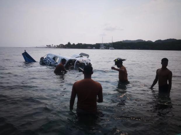У жахливій авіакатастрофі загинули всі: літак з туристами впав у море, страшні подробиці