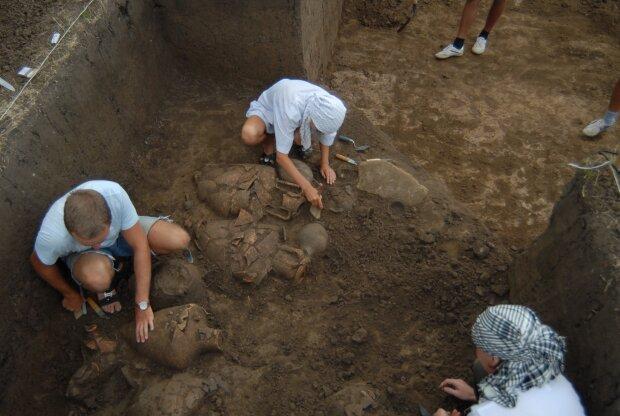 Под Ровно обнаружили останки древней цивилизации, это может переписать историю: подробности сенсации
