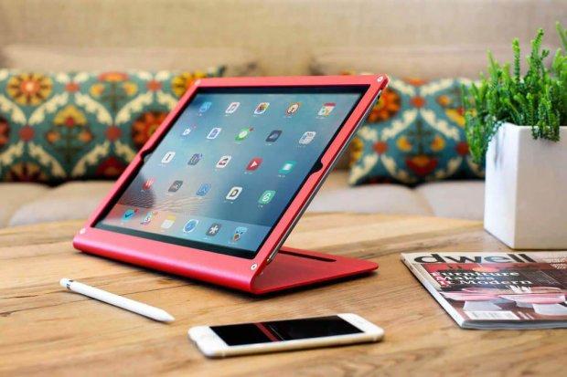 """Сломался пополам: """"надежность"""" iPad Pro возмутила фанатов"""