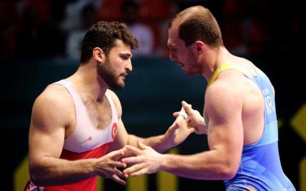 Збірна України стала шостою на Кубку світу з греко-римської боротьби