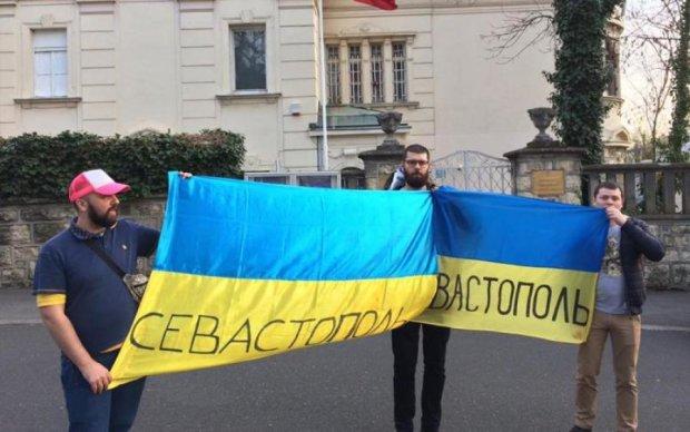 Смелый поступок патриота в Крыму взбудоражил сеть