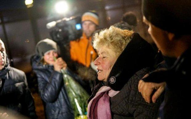 Возвращение пленных домой: мать потеряла сознание от звонка сына