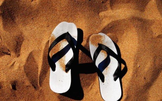 Какую опасность таит любимая летняя обувь