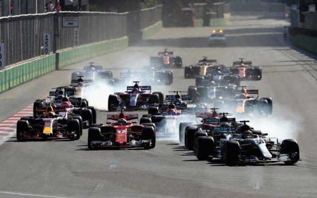 Страсти накаляются: Лидер сезона Формулы-1 протаранил соперника во время гонки