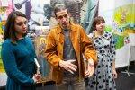 Офіс Зеленського заповнили іконами та ящиками із набоями: що відбувається