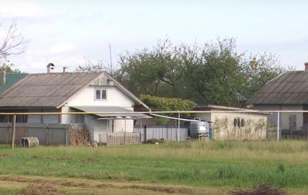 На Прикарпатье поваливается деревня, кадр из репортажа ICTV: YouTube