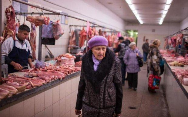 Курортний сезон: кримчанам доведеться затягнути паски