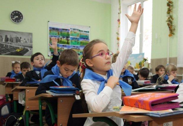 В украинской школе детей насильно заставили учить язык оккупантов: родители в гневе