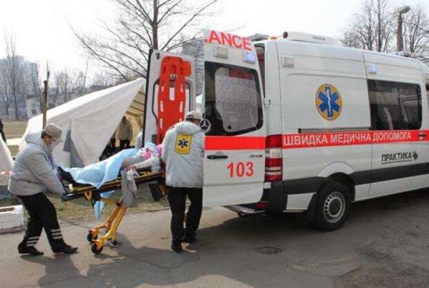 У Львові труп сидів посеред вулиці, очевидці почали заїкатися