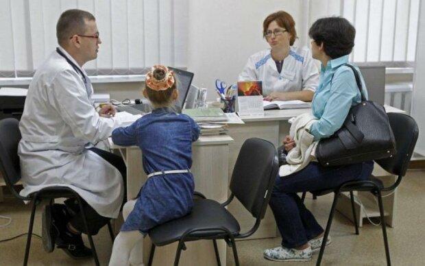 Договір із лікарем: питання, що хвилюють усіх українців