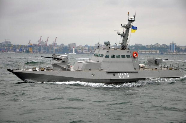 Это война? Россия атаковала наши корабли в Азовском море