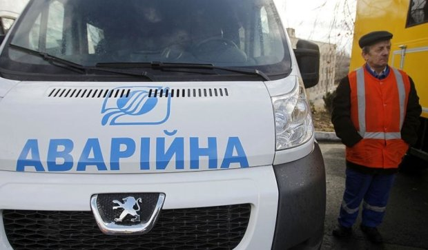 Прорив труби зупинив рух у центрі Києва