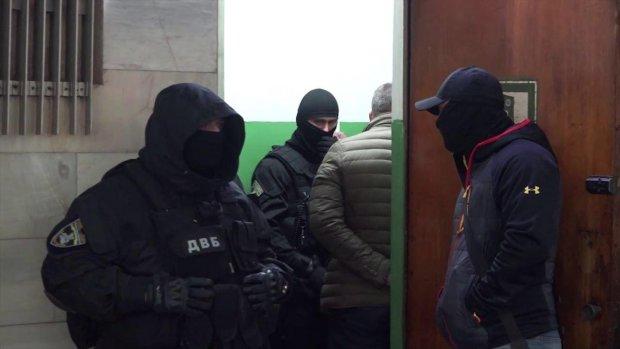 У Харкові відпустили копів-садистів: жертви непритомніли від шоку просто у залі суду