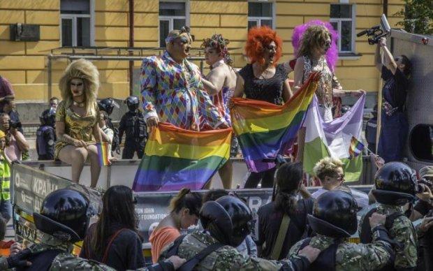 Марш ЛГБТ в Киеве: на участников открыли охоту