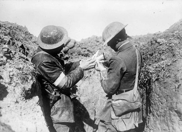 На старинном снимке разглядели призрак солдата: пытался выполнить обещание