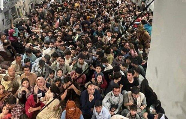 Эвакуация из Кабула, фото: Marcus Weisgerber, Twitter