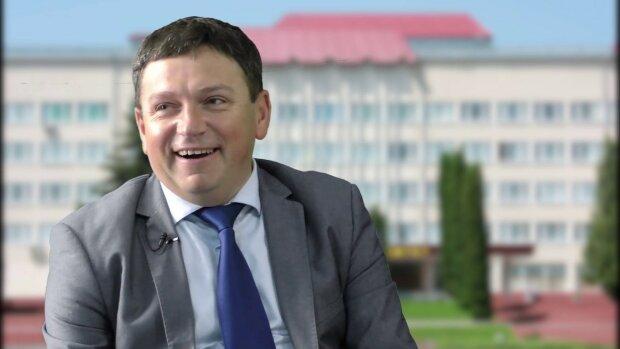 """Зеленський """"посадив на олівець"""" ректора Тернопільського вишу: """"Найкращий"""""""