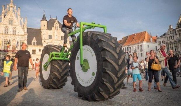 Бельгиец презентовал велосипед весом в тонну (видео)