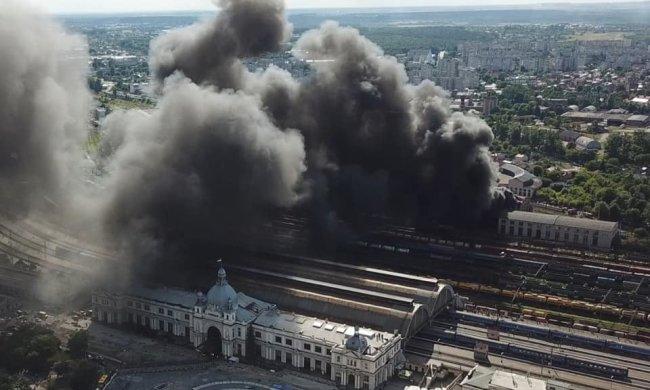 Надпотужну пожежу на львівському вокзалі нарешті загасили: кадри постапокаліпсису