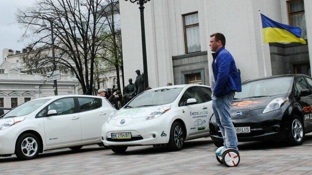 Електрокари проти євроблях: які авто обійдуться дешевше водіям у найближчі 5 років