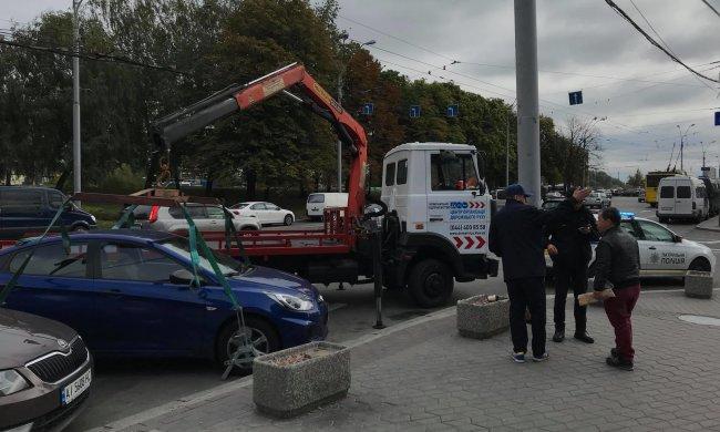 Киевские герои парковки поплатятся за хамство: как будут наказывать