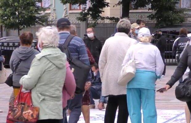 В Украине появятся новые районы: куда обращаться за соцвыплатами и пенсиями жителям разных регионов