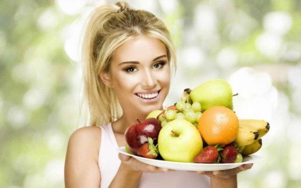 Какой компот выбрать на ужин: полезные фрукты и ягоды