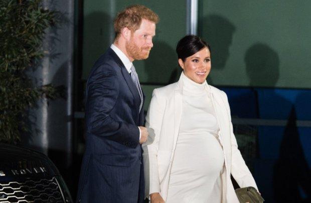 Меган Маркл і принц Гаррі залишають Британію