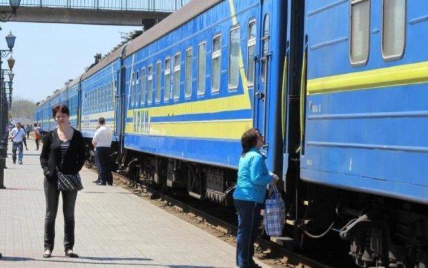 Вслед за метро поднимет тарифы Укрзализныця