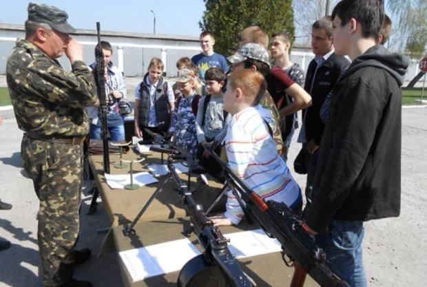 В ДНР мобилизируют школьников