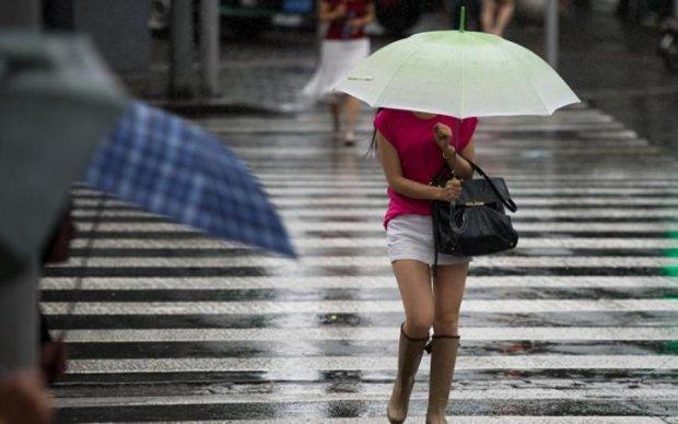 Погода на 13 июля: синоптик посоветовала не забывать зонтики