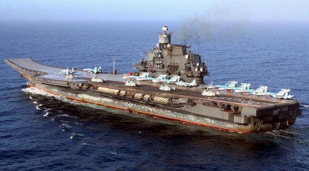 """Путінський """"Адмірал Кузнецов"""" потрапив у моторошну пригоду, десятки жертв у реанімації"""