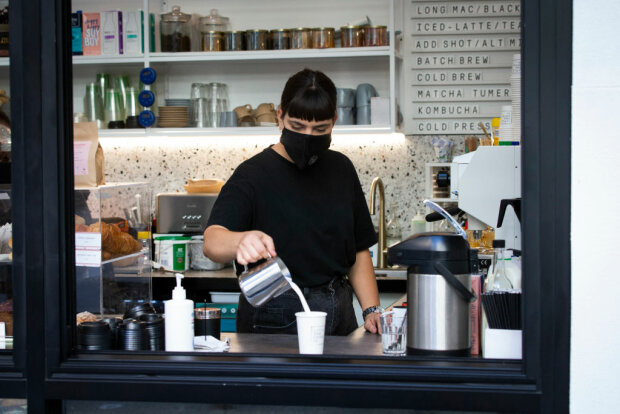 Робота в кав'ярні, фото: Getty Images