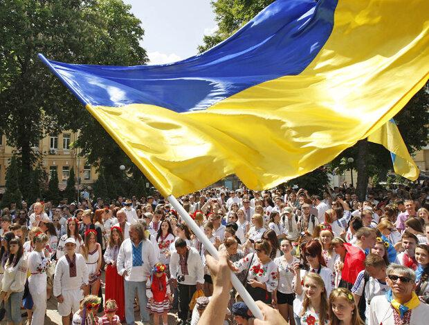В Украине сегодня проживает не более 28 миллионов человек - Руслан Плохой