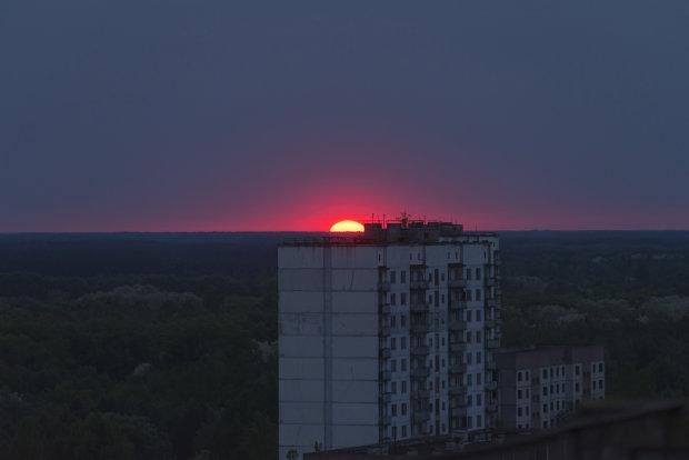 """Загадочный закат в Чернобыле перепугал украинцев: """"До мурашек"""""""