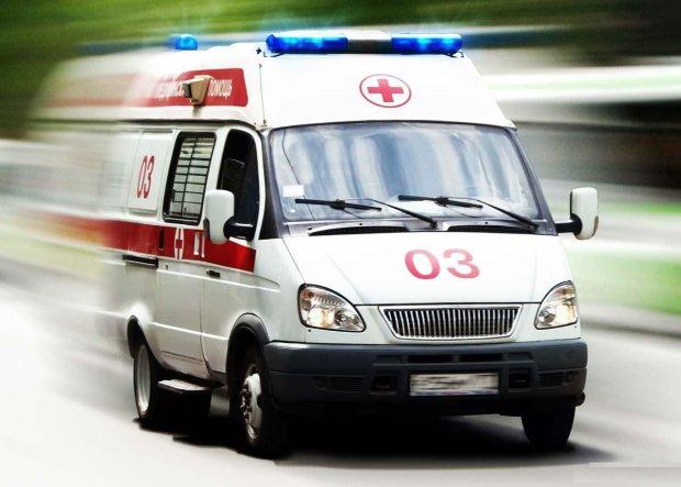 На Херсонщині дві військові вантажівки влаштували місиво: загиблому солдату розтрощило груди