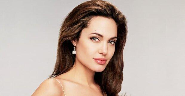 """Анджелина Джоли встала на защиту угнетенных: """"Прямо сейчас народ Афганистана…"""""""