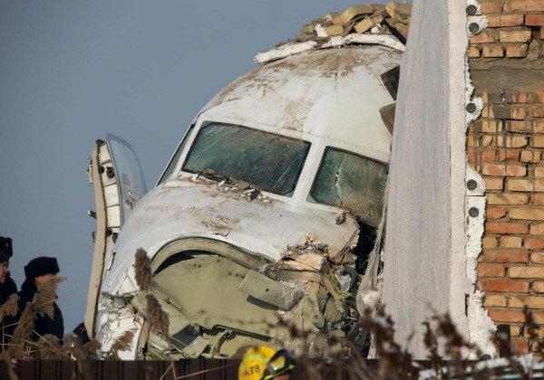 Авиакатастрофа в Казахстане с десятками погибших: появилась запись переговоров с пилотами самолета